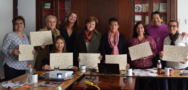 Mujeres Latinoamericanas Se Reúnen Para Fomentar El Liderazgo Femenino
